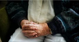 W Łódzkiem przybywa 100-latków.  Ilu jest w powiecie łowickim?
