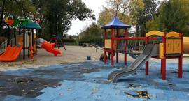 Ponad miesiąc temu miała zakończyć się modernizacja placu zabaw na Błoniach