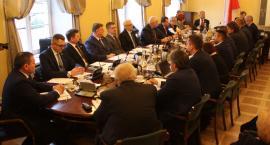 Pierwsza sesja Rady Miejskiej w Łowiczu. Znamy przewodniczącego i wiceprzewodniczących (ZDJĘCIA)