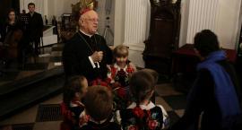 Łowicz: koncert oratoryjny z dedykacją dla biskupa Józefa Zawitkowskiego (ZDJĘCIA, VIDEO)