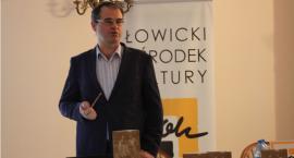 """""""Warszawiak w Urzeczu"""". Promocja książki ze wspomnieniami Ryszarda Ostrowskiego"""
