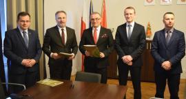 """Program """"Czyste Powietrze"""" w Łowiczu. Otwarto punkt konsultacyjny"""