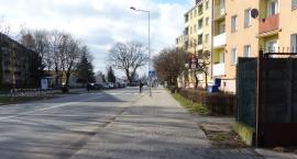 Zakaz zatrzymywania się nie zniknie z ul. Sikorskiego w Łowiczu
