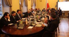 Transmisja na żywo z sesji Rady Miejskiej w Łowiczu (VIDEO)