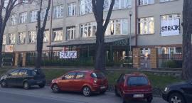 Strajk nauczycieli w Łowiczu - aktualizacja. SONDA