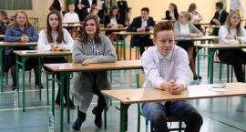 Egzamin ósmoklasisty w Łowiczu (ZDJĘCIA)