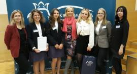 Sukcesy uczennic z Łowicza i Zduńskiej Dąbrowy w konkursie wiedzy o podatkach