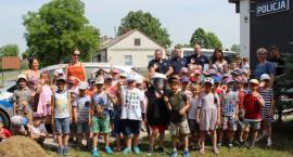 Przedszkolaki zwiedziły posterunek policji w Nieborowie (ZDJĘCIA)
