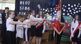 Uroczystość nadania sztandaru SP w Popowie. Szkoła będzie miała patrona (ZDJĘCIA, VIDEO)