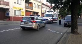 Łowicz: rowerzystka ucierpiała po zderzeniu z pieszą