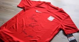 Wygraj koszulkę i spodenki reprezentacji Polski z podpisem Ireneusza Jelenia! (KONKURS)