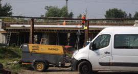 Kiedy i na jak długo zostanie przywrócony ruch pojazdów pod remontowanym mostem kolejowym w Łowiczu?