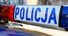 Łowicz: pijany w sztok 24-latek wjechał autem w znak drogowy