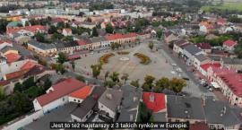 Amerykański dziennikarz i youtuber odwiedził Łowicz. Zobacz film (VIDEO)