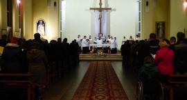 Klerycy zaśpiewali Akatyst ku czci NMP