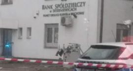 Wybuch bankomatu w Bełchowie. Policja szuka sprawców