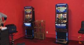 Funkcjonariusze KAS zlikwidowali lokale z nielegalnymi automatami do gier w Łowiczu i Skierniewicach