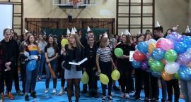 I LO - szkolna impreza urodzinowa