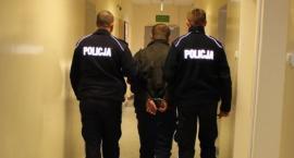 Łowicz: 27-latek napadł przechodnia. Zabrał mu telefon wart ok. 70 złotych