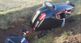 Niebezpiecznie na drodze z Nieborowa. Dwie osoby trafiły do szpitala [ZDJĘCIA]
