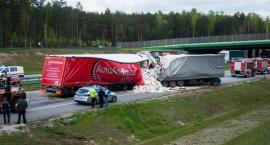 Zablokowana autostrada A2 po zderzeniu trzech tirów