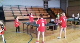 W tenisie stołowym najlepsze SP Bełchów i SP Mastki
