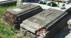 Odnawiają zabytkowe groby na łowickich cmentarzach