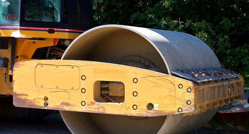 Komunikacja - drogi , Uwaga! Utrudniony dojazd posesję - zdjęcie, fotografia