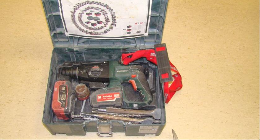Kronika policyjna, KOMUNIKAT poszukiwani właściciele wiertarek Bosch Metabo - zdjęcie, fotografia