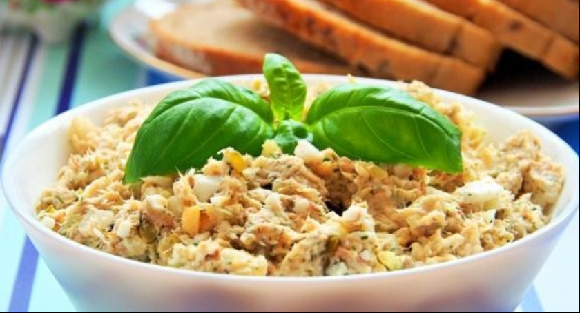 Kulinaria, Pyszna pasta makreli jajek - zdjęcie, fotografia