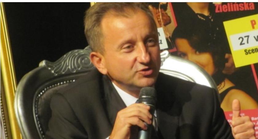 Wydarzenia, Mariusz Orzełowski rezygnuje pracy - zdjęcie, fotografia