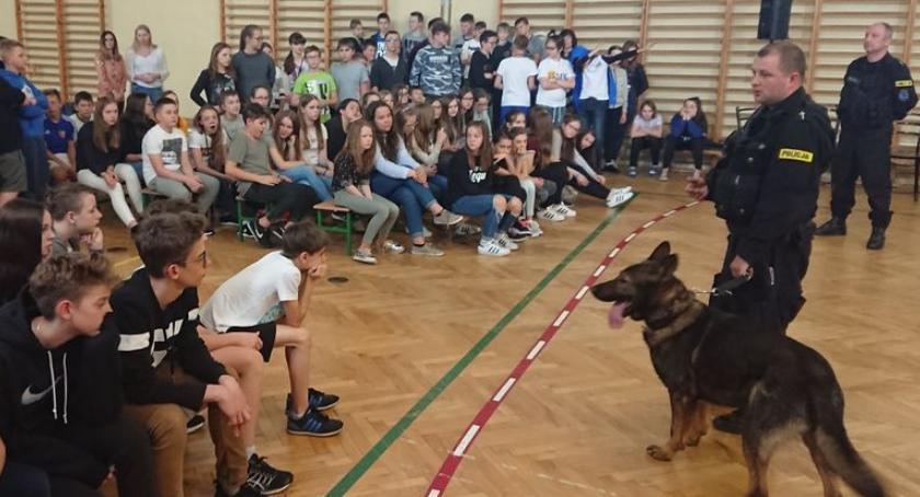 Kronika policyjna, Dzień Profilaktyki Szkole Podstawowej Siedlcach - zdjęcie, fotografia