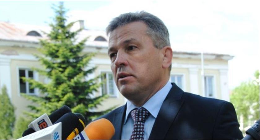 Informacje, Andrzej Sitnik apeluje oddajcie kasę ministrowie! - zdjęcie, fotografia