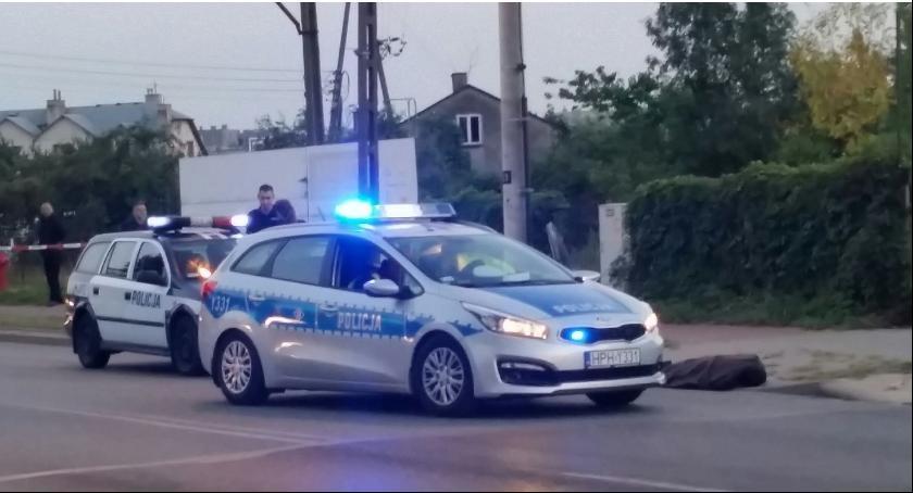 Kronika policyjna, Starsza kobieta zginęła pasach - zdjęcie, fotografia