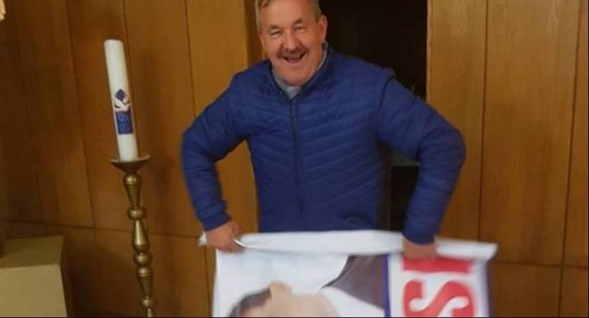 Informacje, ministra Tchórzewskiego zorganizował spotkanie wyborcze kaplicy - zdjęcie, fotografia