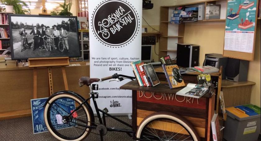 Na luzie, Bajkstajlowy bookworm zawitał oleśnickiego - zdjęcie, fotografia