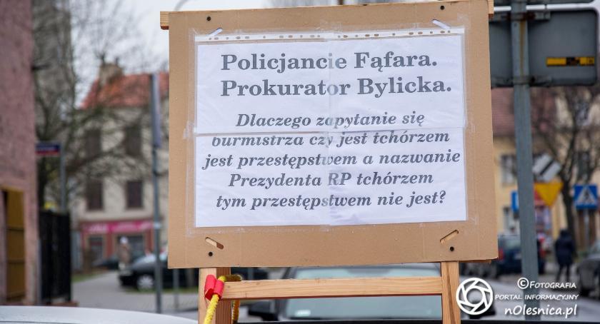 Wydarzenia, Kolejny nietypowy protest Oleśnicy - zdjęcie, fotografia