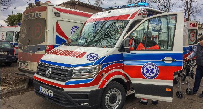 Wydarzenia, ambulans służbie - zdjęcie, fotografia