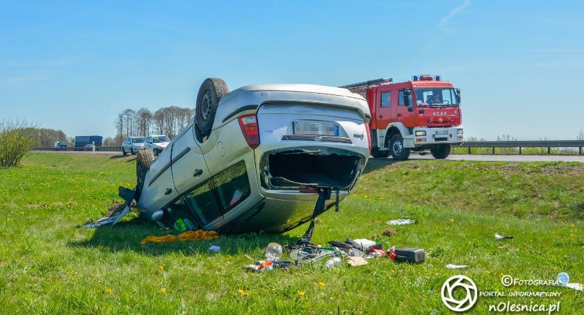 Na sygnale, Dachowanie Forda - zdjęcie, fotografia