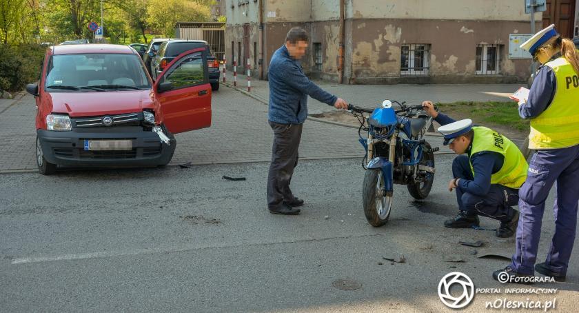 Na sygnale, Wypadek motocyklisty Lwowskiej - zdjęcie, fotografia