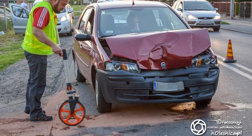 Na sygnale, Wypadek skrzyżowaniu Krzywoustego Lotniczej - zdjęcie, fotografia