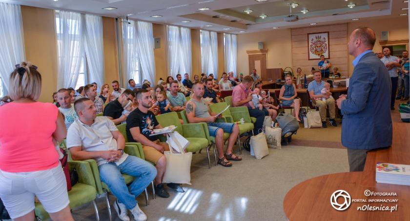 Wydarzenia, Powitanie najmłodszych mieszkańców Oleśnicy Ratuszu - zdjęcie, fotografia