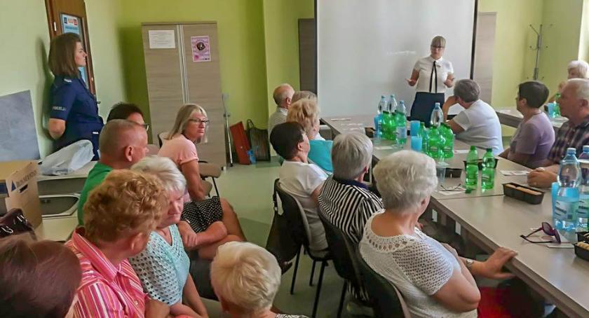 Wydarzenia, Debata Społeczna policjantów seniorami Twardogórze - zdjęcie, fotografia