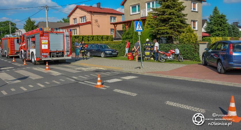 Na sygnale, Wypadek motocyklisty Dobroszycach - zdjęcie, fotografia