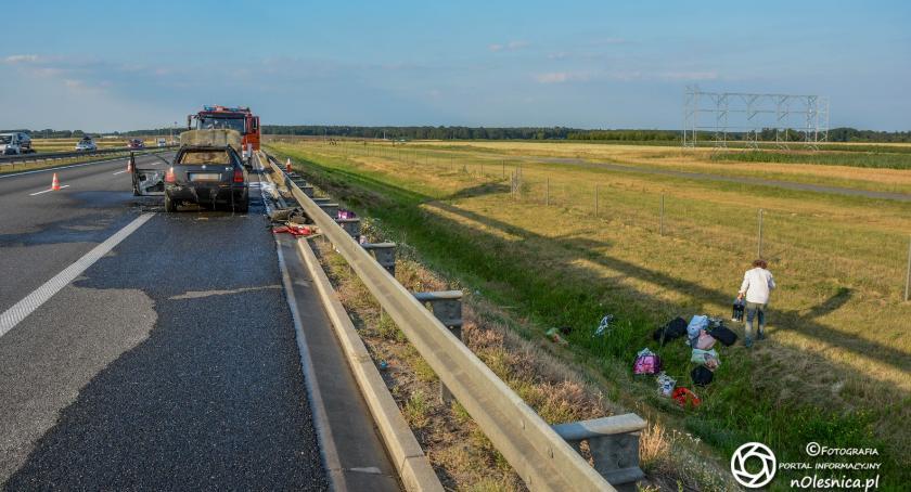 Na sygnale, Spłonął samochód trasie koło Szczodrowa - zdjęcie, fotografia