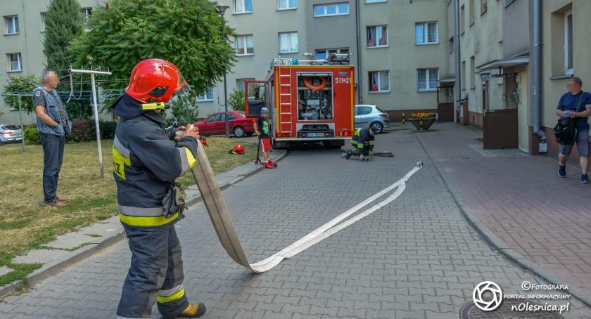 Na sygnale, Interwencja strażaków spalonym garnku - zdjęcie, fotografia