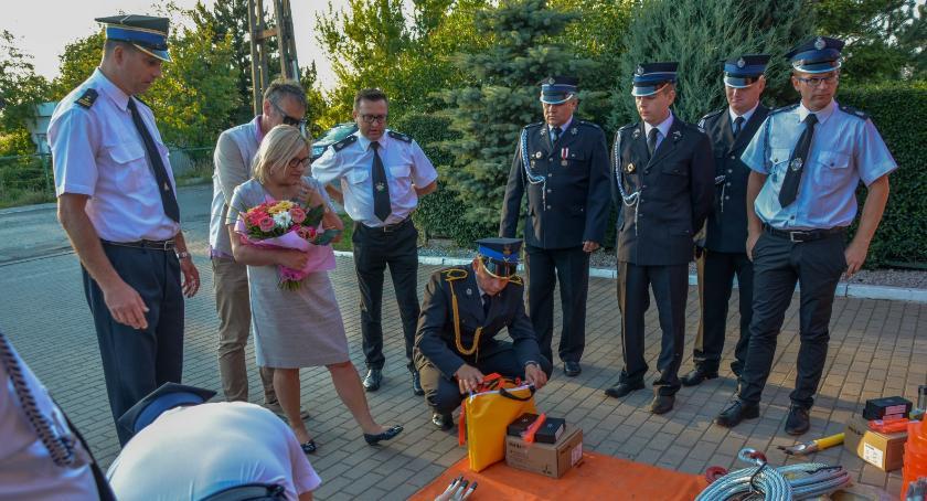 Wydarzenia, Przekazanie sprzętu strażaków przez minister Kempę - zdjęcie, fotografia
