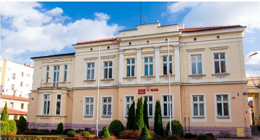 Wydarzenia, Nadzwyczajna sesja Gminy Oleśnica - zdjęcie, fotografia