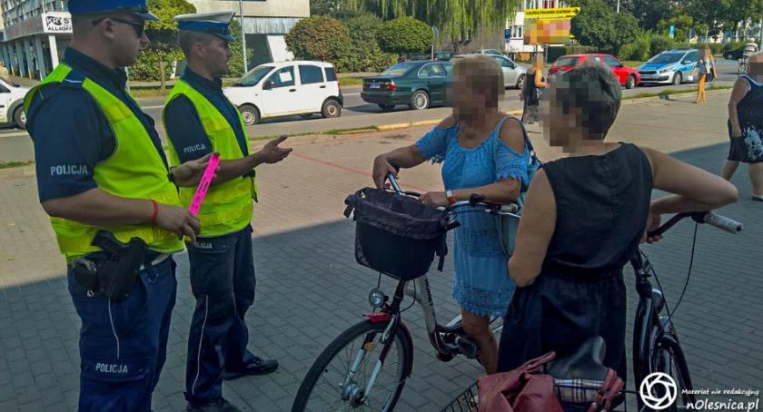 Wydarzenia, Piesi rowerzyści policjanci działali rzecz poprawy bezpieczeństwa - zdjęcie, fotografia