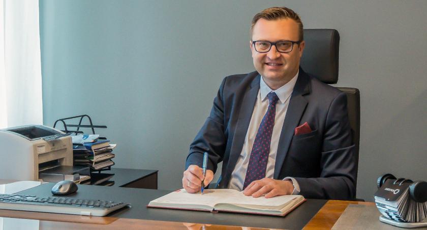 Wybory, Wójt Marcin Kasina zarejestrował swój komitet - zdjęcie, fotografia
